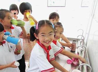 垂杨柳中学――宏华温开水机我们用着放心