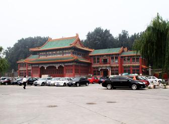 饮水设备 我们一直在用宏华全自动电开水器――北京市长建汽车驾驶学校