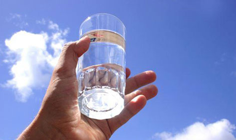 自来水水质受到污染的主要因素