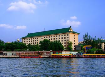 我在北京,我是宾馆,我选择宏华智能电控电开水器