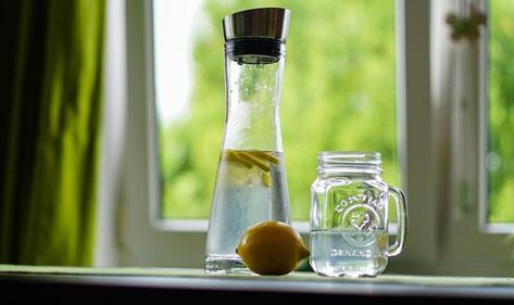 宏华全自动开水器提醒:清晨起床饮水就喝白开水
